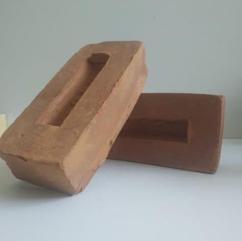 полнотелый кирпич ручной формовки